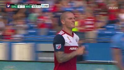 ¡GOOOL! Zdenek Ondrasek anota para FC Dallas