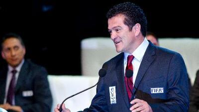 Carlos Hermosillo arremetió contra 'el Chelís'