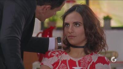 La Taxista | Rodrigo intenta seducir a Susy