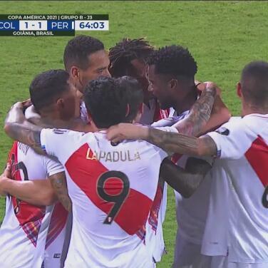 ¡Autogol de Yerry Mina! Perú toma la ventaja 2-1 sobre Colombia