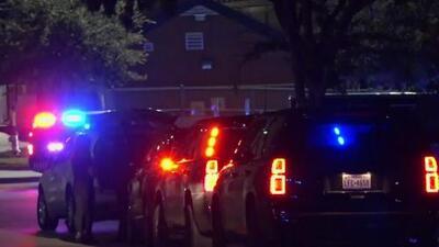 Un hombre es herido de bala durante un juego de fútbol americano en una preparatoria de Texas