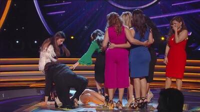 Participante se desmaya en pleno show de 'La Reina de la Canción' justo después de ser salvada