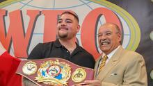 La OMB entregó en Puerto Rico cinturón conmemorativo a Andy Ruiz Jr