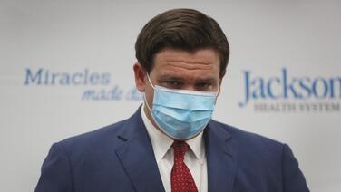 """""""Eso es falso"""": gobernador niega que solo han puesto la mitad de las vacunas en Florida"""