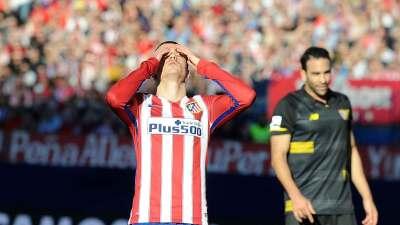 Atlético de Madrid 0-0 Sevilla: Sevilla, con 10, aguanta a Atlético y le deja sin liderato