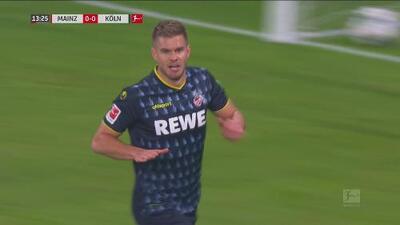 ¡Imparable! Terodde da clase de golpeo en el área para el gol del Köln