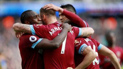 En fotos: Chicharito sigue sin jugar en el West Ham, que venció por goleada al Southampton