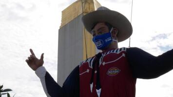 El vaquero Big Tex tendrá puesta una mascarilla en la atípica versión 2020 de la Feria Estatal de Texas
