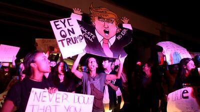 El rechazo a Trump no duerme: tercera noche de protestas en ciudades de EEUU