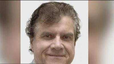 Acusado de abusar sexualmente a decenas de mujeres, arrestan al exginecólogo de la Universidad del Sur de California