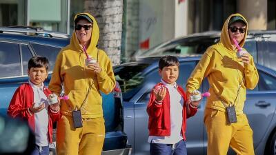 Katy Perry con el hijo de su prometido Orlando Bloom de compras por las calles de LA