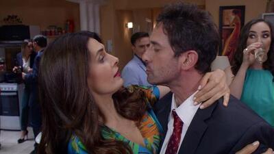 Silvia besó a Pedro