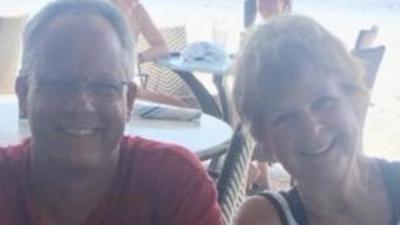 """Bacteria """"come carne"""" deja sin vida a una mujer que estaba en una playa de Florida"""
