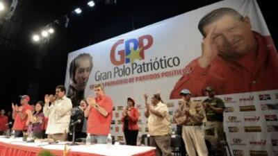 Nicolás Maduro pide votos en nombre de Chávez