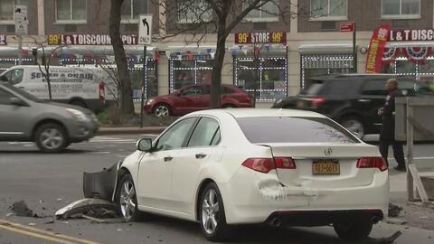 Aparatoso accidente vehicular en El Bronx deja seis personas heridas, tres de ellas son menores de edad