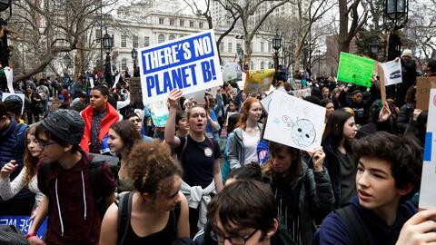 Protesta en contra del cambio climático deja 25 manifestantes arrestados en Nueva York