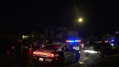 Tiroteo de medianoche deja una mujer herida en Dallas