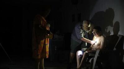 100,000 familias de Puerto Rico siguen sin servicio eléctrico a casi seis meses del paso del huracán María