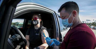 Dónde y cuándo puedes aplicarte la vacuna contra el covid-19 en Los Ángeles, San Bernardino, Orange y Riverside