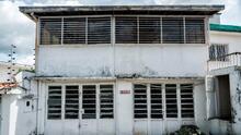 The orphaned houses of Caracas