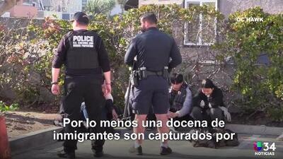 12 personas son arrestadas al llegar en bote a Huntington Beach
