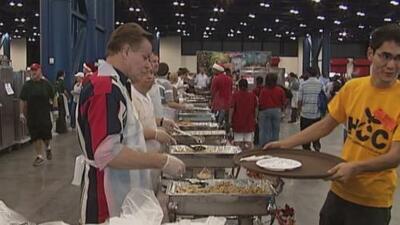 Iniciativa juvenil busca a voluntarios que quieran entregar comida el Día de Gracias