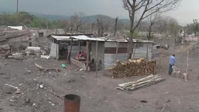 A casi un año de la erupción del Volcán de Fuego, así viven quienes lo perdieron todo entre la lava