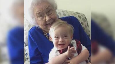 La emotiva fotografía de la primera bebé Gerber y su especial sucesor