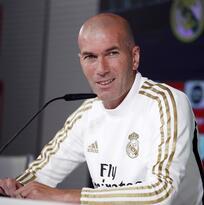 Zidane no le impide jugar golf a Gareth Bale