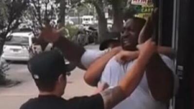 Los ingresos del agente del NYPD que estranguló a Eric Garner aumentaron en estos dos años