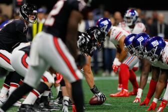 En fotos: Los Giants vuelven a tropezar, los Falcons los superan sin demasiada exigencia