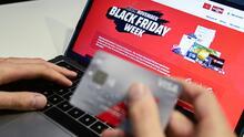 Comerciantes en Chicago están aprendiendo a promoverse por internet para sobrevivir a la crisis por el covid-19