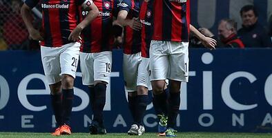 San Lorenzo venció 2-1 al River Plate y es líder de grupo con Godoy Cruz en Argentina