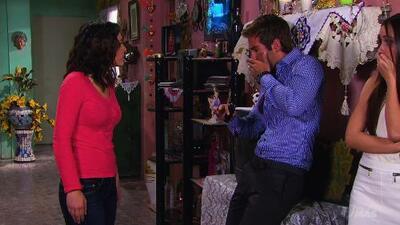 Lupita le plantó una cachetada a Leonardo