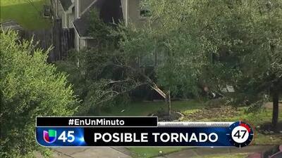 En Un Minuto Houston: Un tornado tocó tierra en Dickinson y afectó dos viviendas