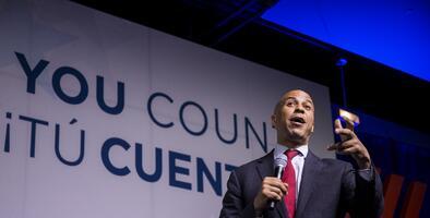 Tres candidatos demócratas bajo la lupa hispana: Klobuchar, Booker y Buttigieg