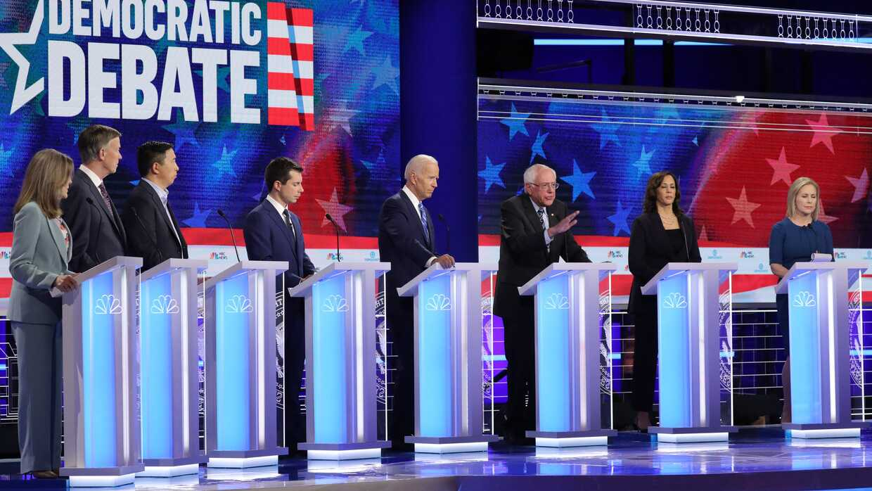 Beyond Hola: Five Tips for Politicians on Hispanic Voters