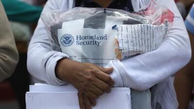 """ICE advierte que la """"suspensión de deportación"""" no es renovable y tiene validez de 1 año"""