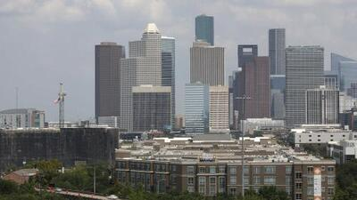 Tiempo cálido y algunas precipitaciones aisladas le esperan a Houston este martes