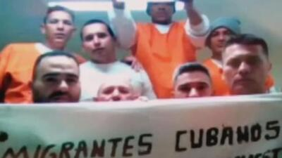 Cubanos deportados a la isla denuncian que el régimen les prohíbe trabajar