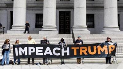 Trump pierde otra batalla judicial en medio de la presión para iniciar un juicio político en su contra