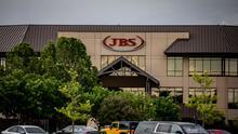 """""""Fue una decisión muy difícil"""": JBS pagó a piratas informáticos en bitcoins el equivalente a 11 millones de dólares"""