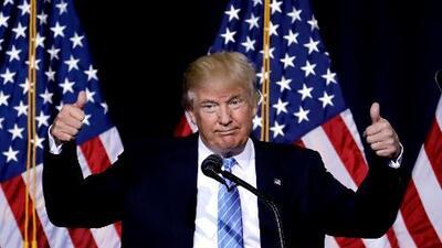 """Trump se autocongratula por """"solucionar"""" crisis y caos que él mismo genera"""