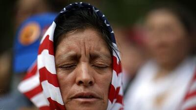 Soy residente legal, ¿cómo puedo traer a mi madre a EEUU? Respondemos tus preguntas de inmigración