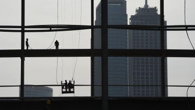 China saca el pie del acelerador, ¿qué significa y cómo afecta a Latinoamérica?