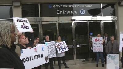 Manifestantes piden justiciar para Jennifer Vázquez, quien murió a manos de policías de San José en Navidad