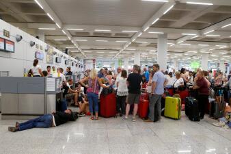 El caos generado por la bancarrota de la compañía de viajes Thomas Cook (fotos)