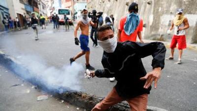 El Parlamento llama a salir a las calles a protestar contra Maduro en día histórico para Venezuela