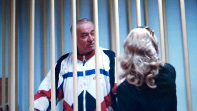 Londres prepara medidas contra Rusia, mientras Moscú exige acceso al agente químico que afectó a exespía