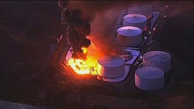 Una explosión y tanques de etanol en llamas: el drama en una planta de energía de la Bahía